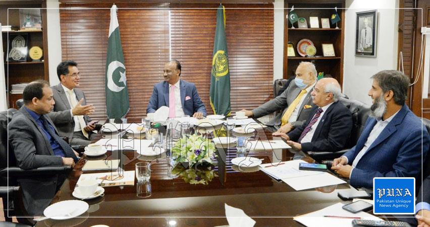 Rawalpindi: (A) High Commissioner of Bangladesh Ruhul Alam Siddique called 0n RCCI President Mohamamd Nasir Mirza-PUNA